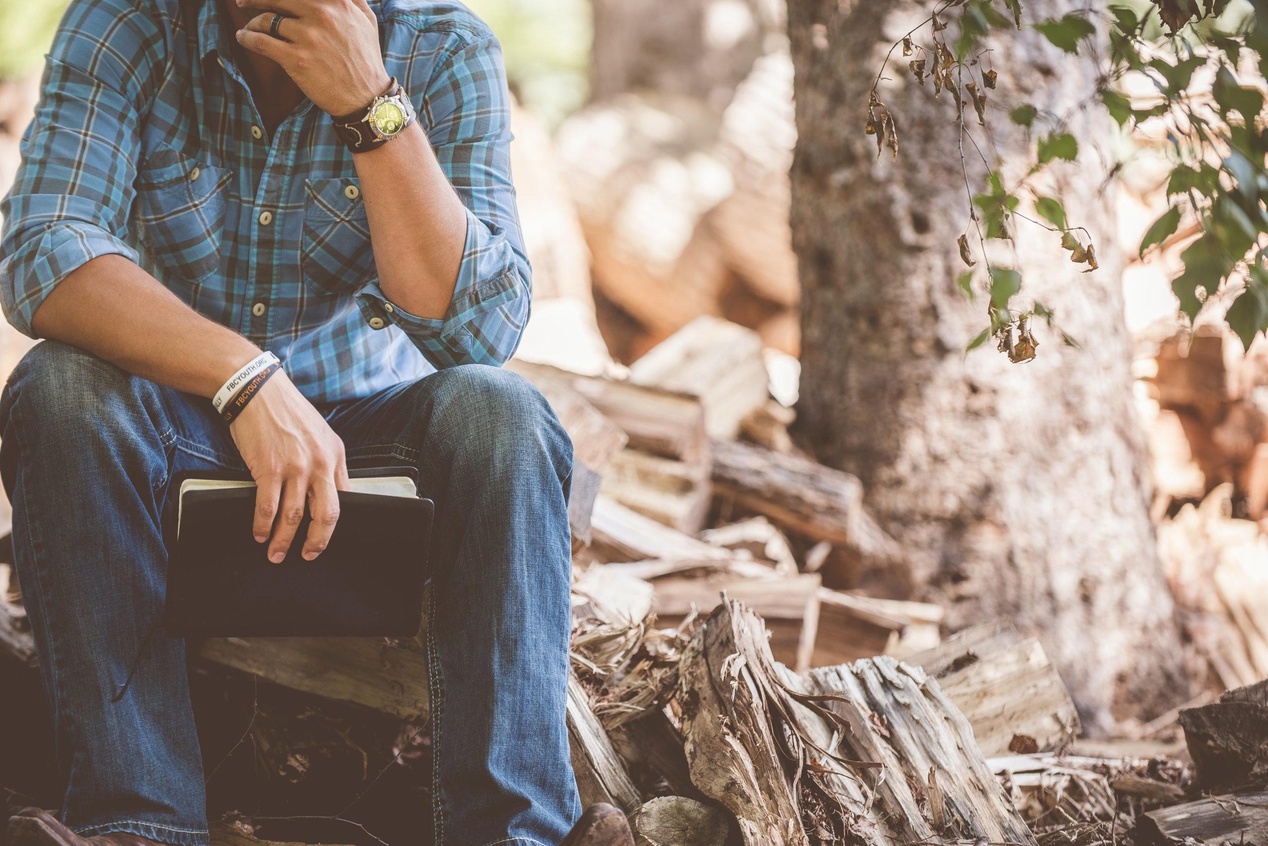 Was bedeutet es, ein Mann zu sein? Was macht einnen Jungen zum Mann? Wie wichtig ist der Vater für den Sohn?